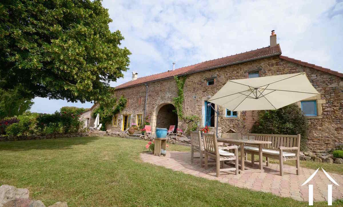 Huis met gastverblijf te koop avree bourgogne 8938 for Boerderijwoning te koop