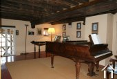 3rd floor music room with access to the terrace