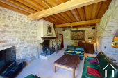 salon avec grande cheminée bourguignons