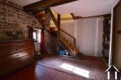Hall avec escalier ver etage sous combles