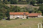 Indrukwekkende ruime gerenoveerde boerderij met 1,4 hectaren