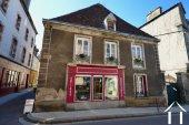 Twee appartementen en een winkel in middeleeuws Nolay