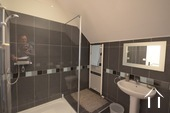 shower room en suite to 3rd bedroom