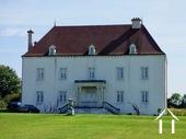 Statig landhuis uit 2006 prachtig gelegen op 1 hectare