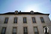 Ruim appartement met 4 slaapkamers in 18de eeuws gebouw