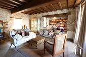 Karakteristiek, gerenoveerd huis in prachtig wijndorp.