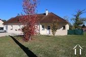 Prachtige L-vormige familiehuis in rustig dorp.