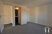master bedroom met eigen douchekamer