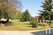<en>garden on the west side of the house</en><fr>jardin coté ouest</fr>