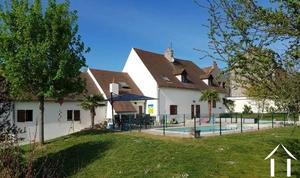 Groot family huis, zwembad + 3 gasten huisjes